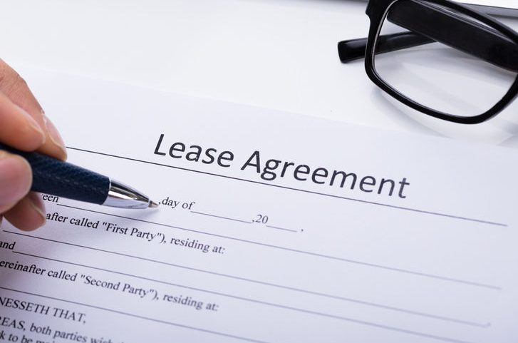 Sign a Lease to Rent an Apartment